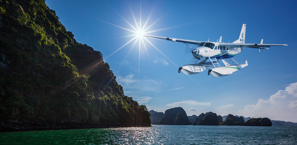 Seaplane service to Ha Long Bay opens to tourists